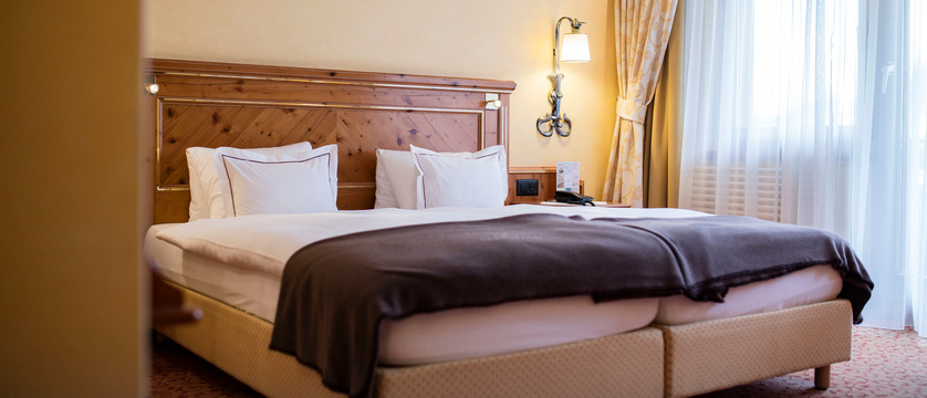 switzerland_zermatt_hotel-schonegg_boutique-double-bedroom.jpg